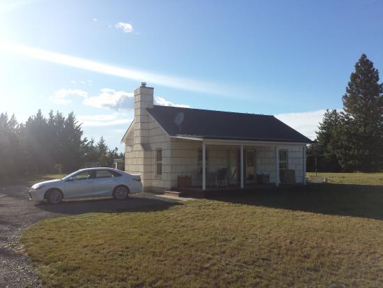Twizel, New Zealand: Casa vista desde el exterior