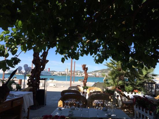 Restaurante el faro en ibiza con cocina marisco - Restaurantes en el puerto de ibiza ...