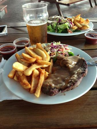 Down Under Bar and Grill: Steak