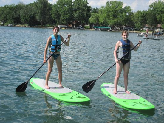 Dickerson's Lake Florida Resort: Friends having fun on the paddle boards