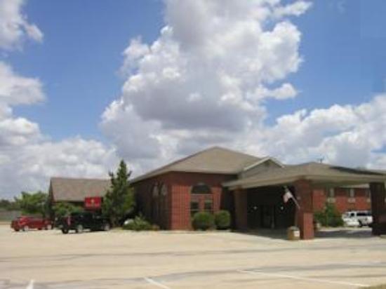Ramada Decatur: front door area