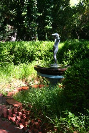 Chandor Gardens: beautiful woman statue at the north end of the studio