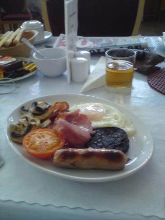 Argyll Arms Hotel: Breakfast