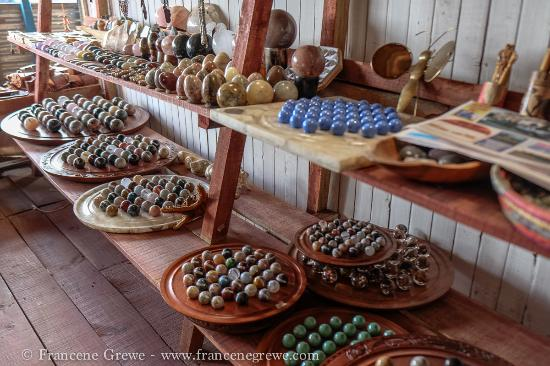 Open-air markets: Andravoahangy: solitaire