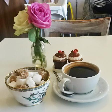 Eccles, UK: Nice coffee at Vintage Ambiance