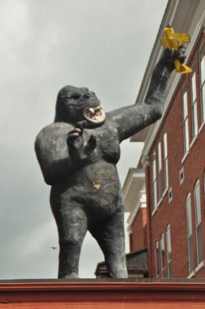 William King Museum of Art: King Kong visits the William King Museum