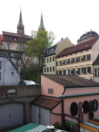 Alt-Ringlein: Blick aus dem 1.Stock über den Eingangsbereich zum Dom