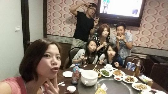 Xian Zhan Seafood Rechao Restaurant: 鱻客棧海鮮熱炒 有KTV喔