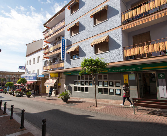 Pension serramar updated 2017 hostel reviews price - Jardines del gamonal benalmadena ...