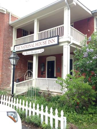 National House Inn: In the springtime