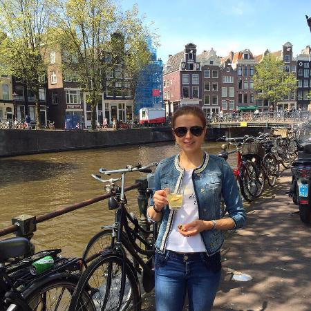 Amsterdam Boutique Apartments : Напротив выхода из апартаментов