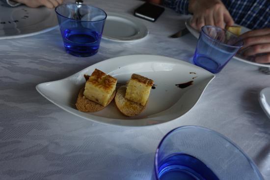 Сан-Жуст-Десверн, Испания: Pica pica de tortilla a la española