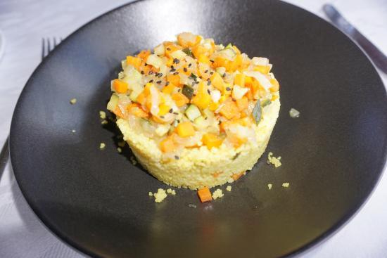 Sant Just Desvern, Spanje: Cuscús al curry con verduras, muy sabroso