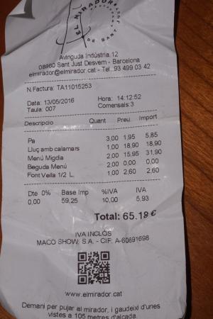 Сан-Жуст-Десверн, Испания: Nos cobraron 18,90 de un plato de merluza sin calamares como propuesta infantil
