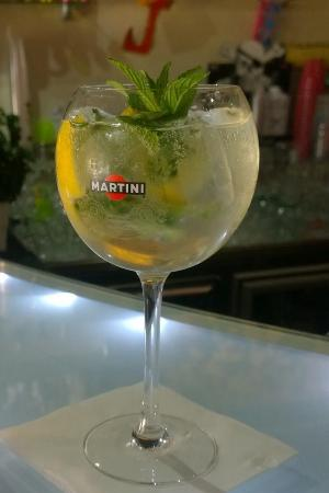 Province of Enna, Italien: Martini ROYALE  JACKPOT music-drink&games