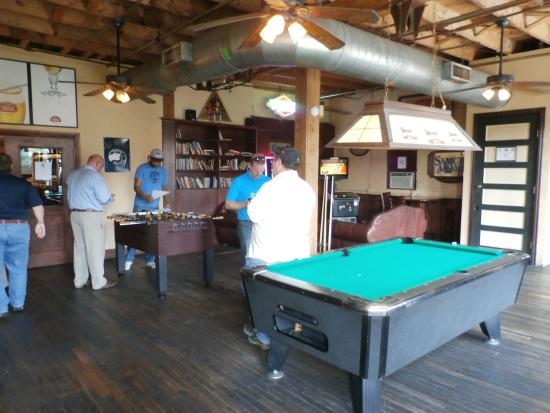second floor pool tables, fussball and library - picture of tapwerks