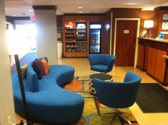 Medford, estado de Nueva York: Front Lobby Area