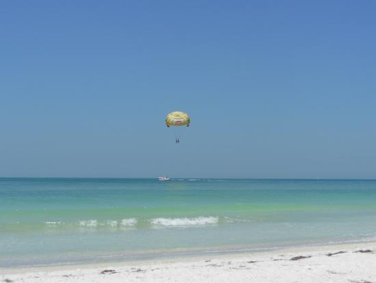Tortuga Beach Resort Bild