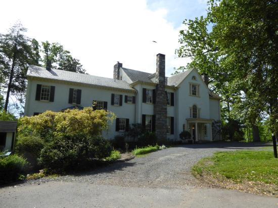 Leesburg, VA: Rust Manor
