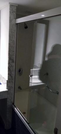Awa Boutique and Design Hotel: Nice Bath Tube