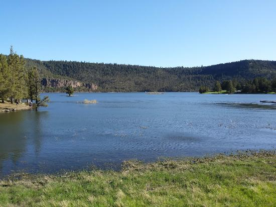 Prineville, OR: A view from the launch and parking area