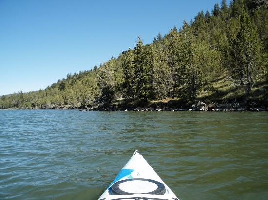 Prineville, Oregón: More natural view from the water