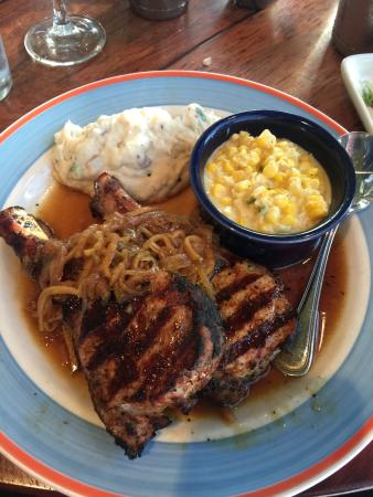 Red Rock Canyon Grill: photo0.jpg