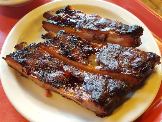 Stubby's BBQ: Tender BBQ Ribs