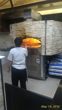 Pizza Garden: Real stone oven