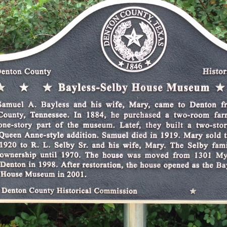 Bayless-Selby House Museum: Sign outside the house