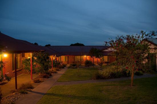 Kangaroo Island Acacia Apartments: Acacia apartments - Sunset