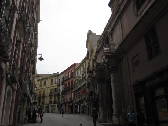 Sant'Antonio Abate Church : Façade sur la rue