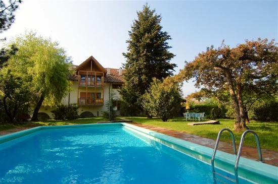 Cornaiano, Italia: Schwimmbad