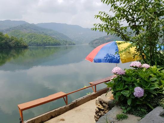 Sanu Lake on de' Water