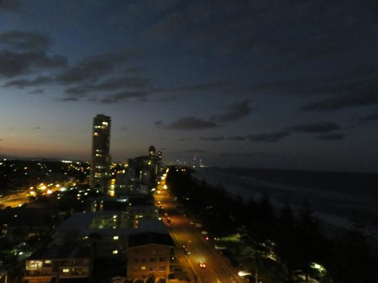 Pacific Regis Beachfront Holiday Apartments: View from our balcony
