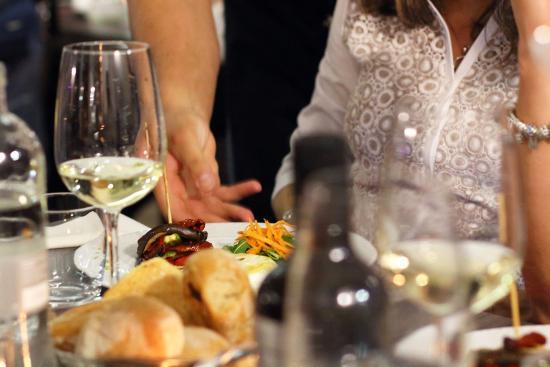Servizio Al Tavolo.L Ottimo Servizio Al Tavolo Foto Di Trattoria A Modo Mio