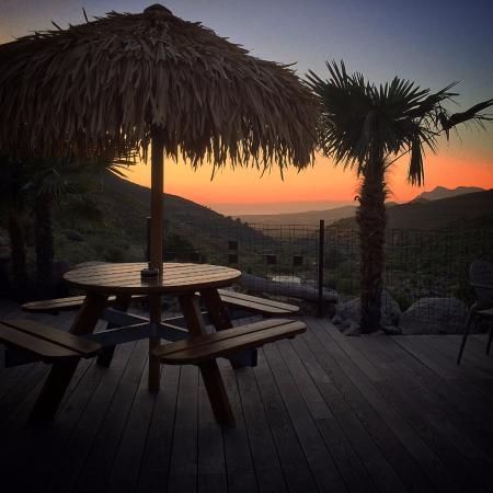 A Flatta : A vista de ond você pode tomar café da manhã, jantar, lanchar ou apenas relaxar durante o dia! ;