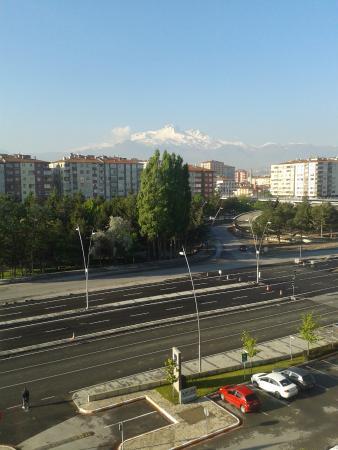 Novotel Kayseri: Sabah sabah Erciyesi'i seyretmek muhteşemdi :)