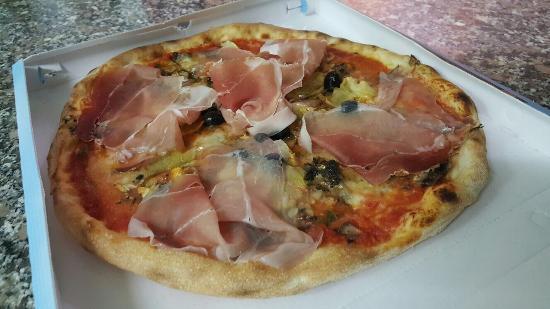 Pizzeria e kebab La Pizzaccia