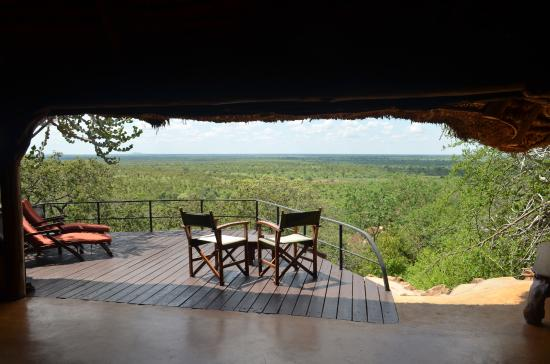 Meru National Park, Kenia: Largest HD TV you will see!