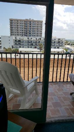 Beach Quarters Resort: 20160514_143810_large.jpg