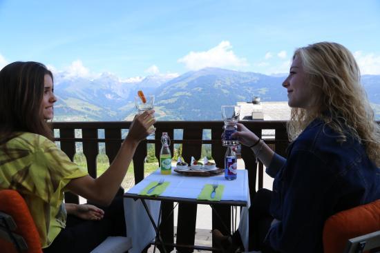 Obersaxen, Ελβετία: View balcony Hotel Surselva