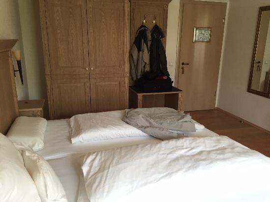 Zum Schloessle: großes, schönes Zimmer