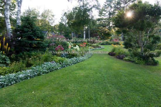 Lincolnville, ME: Acres of private gardens to stroll