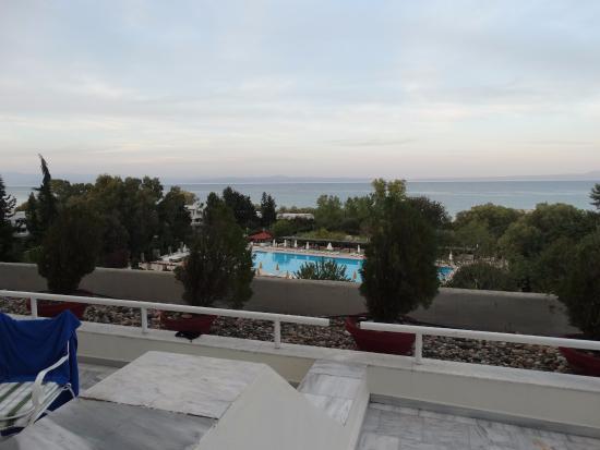 Athos Palace Hotel: Вид с терассы на море