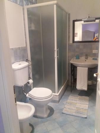 Allegretto Guest House: Bathroom