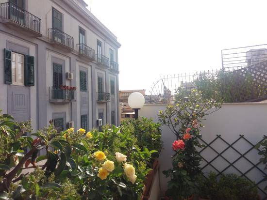 Allegretto Guest House: Rooftop balcony