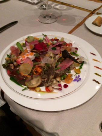 Arcana Izu: このレストランイチオシのサラダ。テーマは野菜の美食オルベージュ