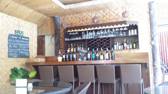 Palms Cove Bohol: バー&レストラン