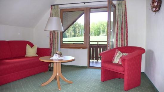Gasthof zum Breitenberg : Sitzbereich mit Balkon